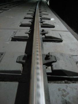 Detall de desgast ondulatori d'un carril