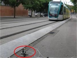 Mesura per a la determinació del nivell de vibració emès per un tramvia similar